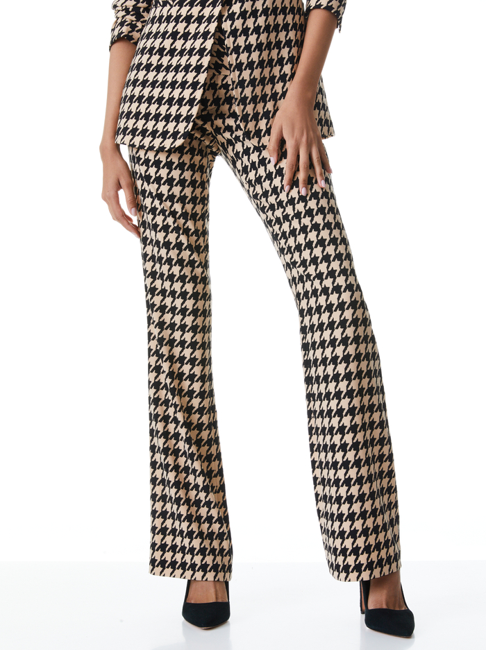 OLIVIA HOUNDSTOOTH BOOTCUT PANT - ALMOND/BLACK - Alice And Olivia