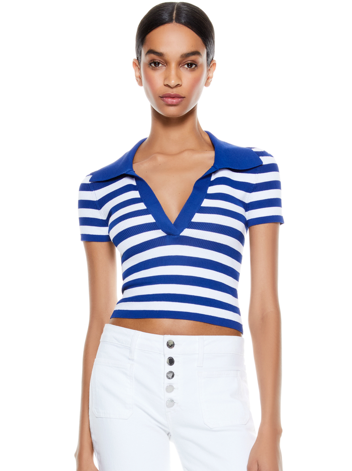 DARALEE FITTED POLO - BLUE EYES/SOFT WHITE - Alice And Olivia