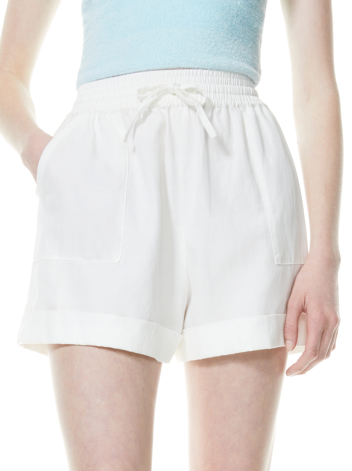 SAM PATCH POCKET CUFFED SHORT - WHITE - Alice And Olivia