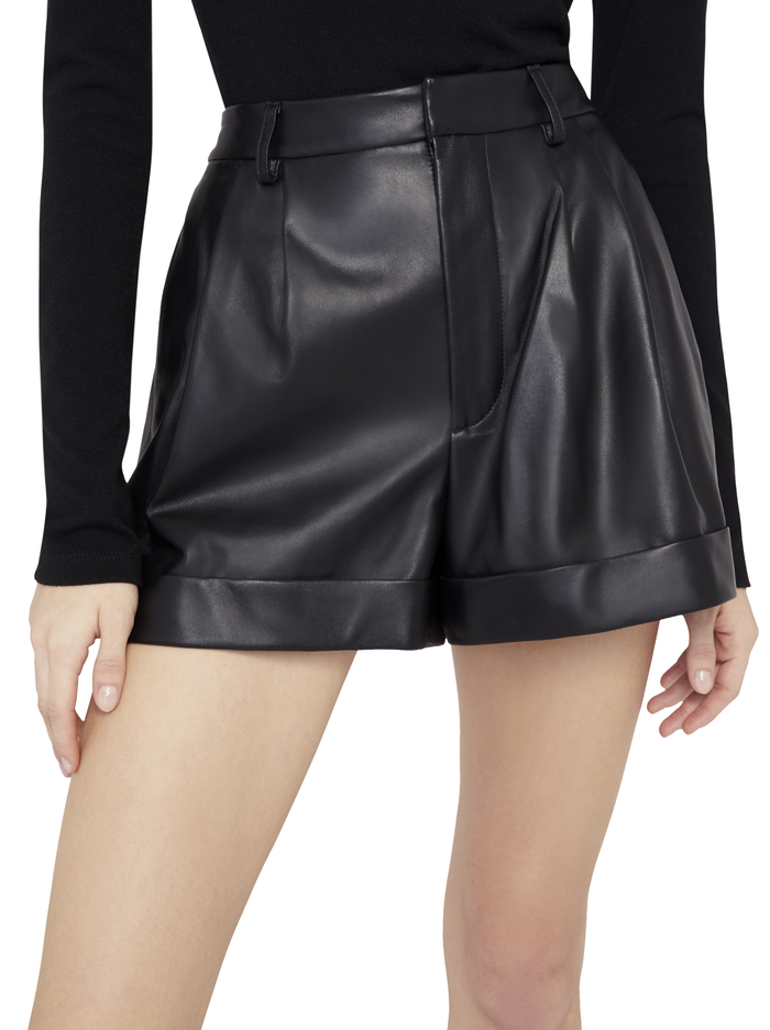 CONRY LEATHER PLEATED SHORTS - BLACK - Alice And Olivia