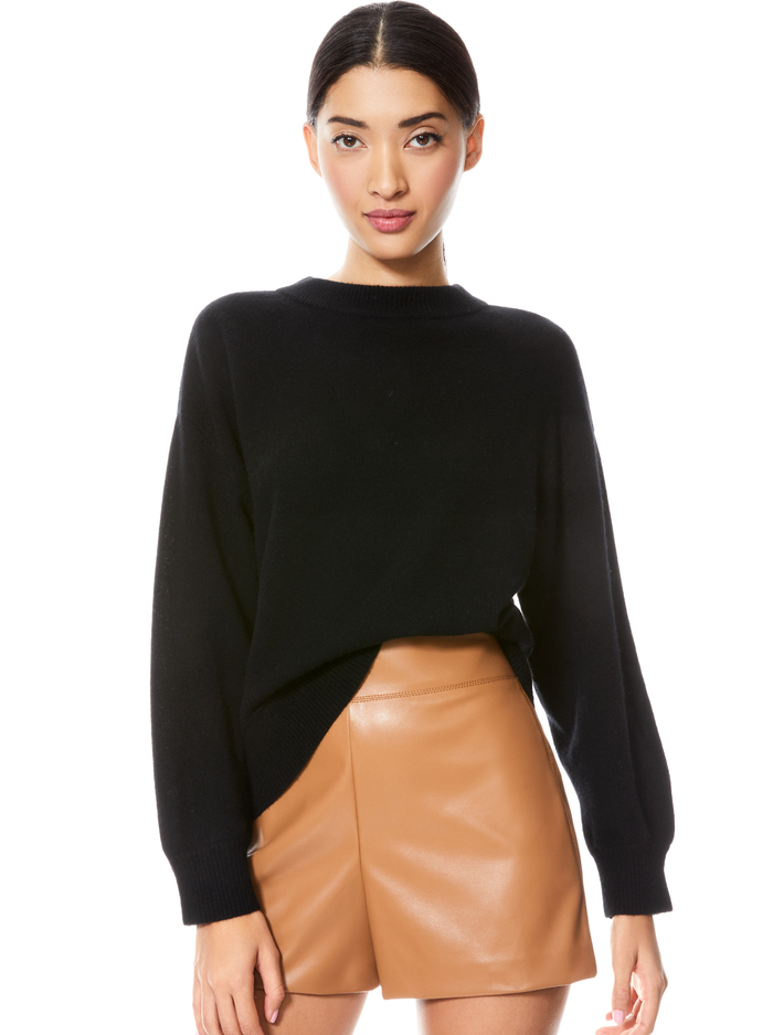 DENVER ROUND HEM SWEATER - BLACK - Alice And Olivia