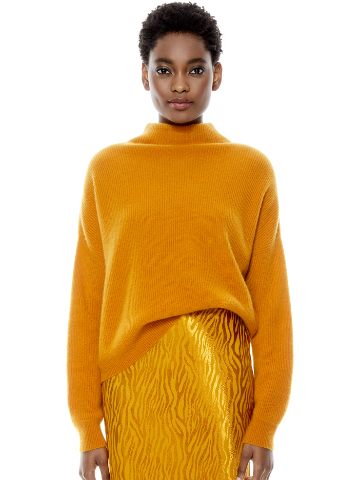 CAPRICE TURTLENECK PULLOVER - AUTUMN GOLD - Alice And Olivia