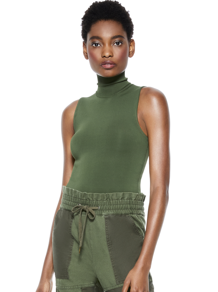 DARINA FITTED MOCK NECK TANK - ARMY GREEN - Alice And Olivia