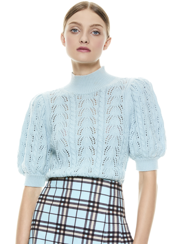 KYOKO TURTLENECK PULLOVER - WATERFALL - Alice And Olivia